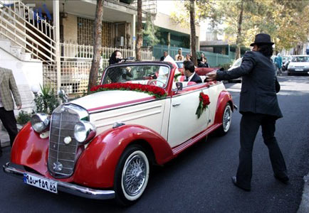مدل ماشین عروسی قدیمی قرمز
